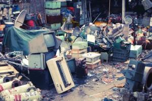 E-waste-shipbreaking-Bangladesh2-660x440